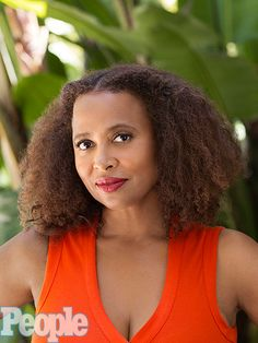 New trending story from People : Calista Flockhart Calls Ally McBeal Costar Lisa Nicole Carson 'Brave' for Sharing Her Story About Bipolar Disorder. People With Bipolar Disorder, Living With Bipolar Disorder, Lisa Nicole Carson, Ally Mcbeal, Black Actresses, Lose Your Mind, Black Girls Rock, Beautiful Black Women, Pretty Face