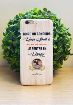 Coque : Boire ou conduire, rien à foutre, je rentre en poney Par Jean Michel Panda à shopper sur Tshirt corner