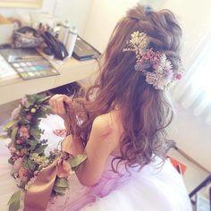 新作♡ナチュラルパープルふんわりヘッドドレス♡ Girl Hairstyles, Braided Hairstyles, Wedding Hairstyles, Girl Photography Poses, Prom Hair, Flowers In Hair, Hair Inspo, Bridal Style, Bridal Hair