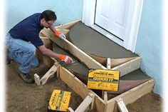 Building Concrete Steps - How To Use Quikrete Concrete Products. For the steps going into the house please. Concrete Steps, Concrete Projects, Backyard Projects, Outdoor Projects, Home Projects, Concrete Slab, How To Build Steps, Porch Steps, Front Steps