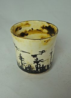 earthenware cup with underglaze decoration - Olia Lamar