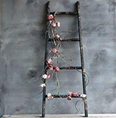 Ladder Antique black
