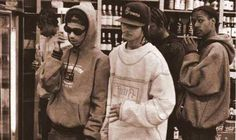 Bone thugs n harmony Oldy, Oldy, really good memories listening to this thugs, thugs! 90s Hip Hop, Hip Hop And R&b, Hip Hop Rap, Joey Dawson's Creek, Tupac Makaveli, R&b Artists, Street Culture, My Favorite Music, Best Memories