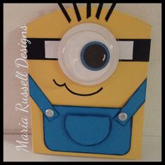 I made this minion card today for my brother? It is so easy and fun to make. I used Stampin Up's sweet treat cup to create the lens.