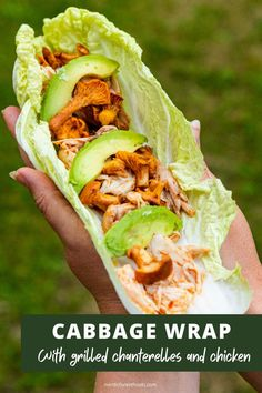 Cabbage wrap with grilled chanterelles, grilled chicken, and avocado is the perfect light meal for any occasion. For this recipe, you will need a whole fresh chicken, fresh chanterelles, and a barbecue with indirect heat. The chicken is made in a homemade, tasty marinade, that really makes the whole dish come together.