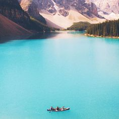 Can you believe that this is in my back yard! Okay not exactlybut Lake Louise in Banff Alberta is only a hour drive from where I grew up. Have you heard of Banff? Would you visit there? Bucket List Life, Discover Canada, Banff Alberta, Thing 1, Airplane Travel, Travel Kits, West Coast, Road Trip, Backyard