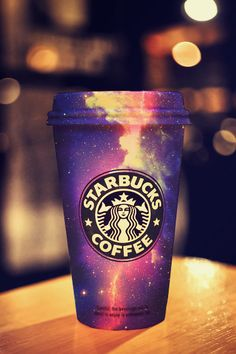 Starbucks is the best! Coolest Starbucks cup ever! Starbucks Coffee, Menu Secret Starbucks, Copo Starbucks, Starbucks Recipes, Starbucks Drinks, Starbucks Cup Art, Starbucks Products, Starbucks Store, Starbucks Tumbler