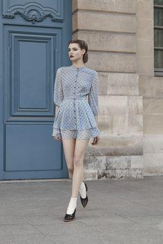 Ulyana Sergeenko ready-to-wear autumn-winter Paris Fashion Week Fashion Week, Look Fashion, Paris Fashion, Womens Fashion, Fashion Design, Classy Fashion, Petite Fashion, Fashion Tips, Cool Outfits