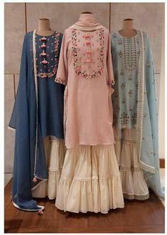 Simple Pakistani Dresses, Indian Gowns Dresses, Indian Fashion Dresses, Dress Indian Style, Stylish Dress Designs, Designs For Dresses, Stylish Dresses, New Designer Dresses, Indian Designer Suits