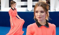 http://www.dailymail.co.uk/tvshowbiz/article-3221480/Emily-Browning-looks-simply-stunning-floor-length-coral-gown-attends-premiere-new-movie-Legend.html