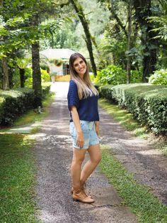 Lookbook - Quase tudo Azul!! Blusa: Forever 21 - Bermuda: Marisa - Botinha: Capodarte  #blog #fashion #lookdodia #alineinlove