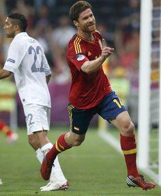 23 de junio: Primer gol de Xabi Alonso