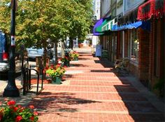 Lebanon, Ohio - View of historic downtown. Picked as one the 5 Best Hometowns in 2012 by Ohio Magazine.