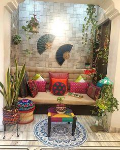 Indian home decor beauty , indische wohnkultur schönhei. Indian Room Decor, Ethnic Home Decor, Home Decor Furniture, Home Decor Bedroom, Diy Home Decor, Vintage Furniture, Home Room Design, Home Interior Design, Interior Decorating