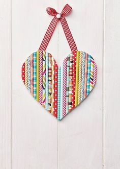 Find out how to make a Paper straw heart with this free paper crafting