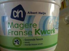 AH Magere Franse Kwark - per 100 gram: 4 kh / 9 gr. eiwit / 0,3 gr. vet / 55 kcal (fatsecret.nl)