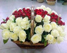 ❤💕 Good morning - Flowers for you Good Morning Flowers, Flowers For You, Flower Images, Rose Bouquet, Beautiful Roses, Artificial Flowers, White Roses, Floral Arrangements, Diy And Crafts