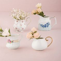This 4-piece creamer vase set is a cute and unique way to hold your utensils, straws or other dessert table necessities. You can even throw in some flowers to add to the table decor. Your guests will be impressed, we promise. ($17.95-$19.95; beau-coup.com)