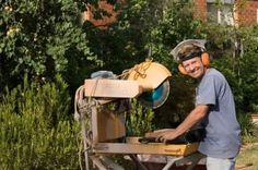 Have you done a few jobs as a handyman, or worked for a contractor? If you're interested in starting a handyman business, a bit of advance preparation will help you make more money. Here's how one self-employed handyman earns up to $3,000 a week -- plus, how he deals with weeks where he doesn't earn as much.
