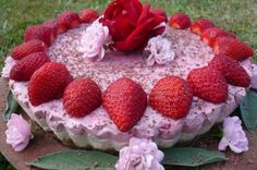 Raw Strawberry Cheesecake - Liver cleansing diet raw food recipes for a healthy liver. Learn how to do the liver flush https://www.youtube.com/watch?v=UekZxf4rjqM I LIVER YOU