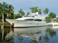 you could definitely enjoy the Bahamas with one of these | luxury living | yacht club
