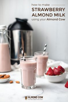 Strawberry milk: a staple of childhood, but very hard to find in a healthy format. Fortunately, you can easily make it at home with almond milk! Juice Smoothie, Smoothie Drinks, Healthy Smoothies, Healthy Drinks, Smoothie Recipes, Almond Milk Recipes, Vegan Recipes Easy, Strawberry Milk, Yummy Drinks