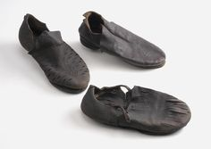Drie schoenen. 16th - 17th c.