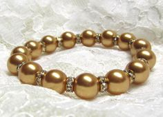 Shop for on Etsy, the place to express your creativity through the buying and selling of handmade and vintage goods. Pearl Bracelet, Beaded Bracelets, Gold Pearl, Pearls, Trending Outfits, Unique Jewelry, Handmade Gifts, Etsy, Vintage