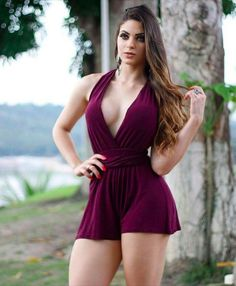 Fashion in 2019 beautiful women, sexy outfits, sexy dresses. Sexy Outfits, Sexy Dresses, Pernas Sexy, Sexy Women, Vestidos Sexy, Sexy Hot Girls, Sexy Legs, Gorgeous Women, Beautiful Beautiful