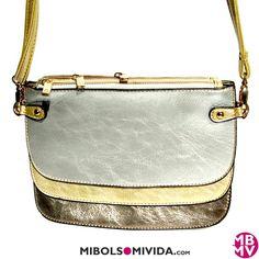 Bolso Bandolera o Carteras De Mano, de MibolsoMivida.com. Los 3 departamentos puedes llevarse de forma independiente o juntos.