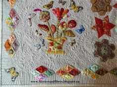 In this picture the quilt is folded so you can see the outer border ...
