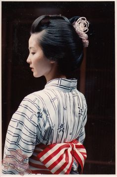 Maiko Tsuneyuu in Yukata with Katsuyama Hairstyle