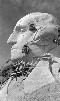 Meet the Man who has Photographed Mount Rushmore for Eight Decades Us History, American History, Vintage Photographs, Vintage Photos, Monte Rushmore, Titanic Artifacts, Tecno, Weird And Wonderful, Black And White Pictures