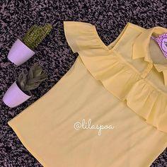 zpr Muito amor e delicadeza na nossa blusinha com detalhes nos ombros 💛✨ www.lilaspoa.com.br  #lilaspoa #lilaspoando #picoftheday #pic #lojaonline #site #compreonline #ecommerce #inlove #euquero #modaparameninas #instafashion  #universofeminino #vendasparatodoobrasil #querendoja