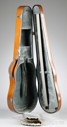 This is a really nice antique case, wouldn't that impress others Violin Instrument, Violin Case, Cello, Bag Design, Music Stuff, Musical Instruments, Really Cool Stuff, Creative Ideas, Musicals