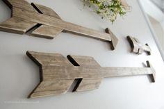 DIY Distressed Wood Arrows tutorial