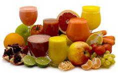 arranjo de frutas e suco