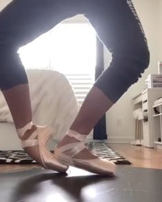 filming ballet like this would be good for the interview vid scenes Art Ballet, Ballet Feet, Ballet Dancers, Ballet Dance Videos, Dancers Feet, Pointe Shoes, Ballet Shoes, Ballet Clothes, Ballet Basics