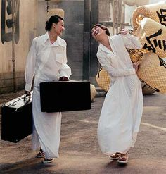 Travel with Yohji Yamamoto shirt dress and vintage luggage. Fashion Details, Look Fashion, Womens Fashion, Fashion Design, Timeless Fashion, Yohji Yamamoto, Mein Style, White Shirts, White Fashion
