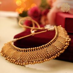 Ultimate 35 Gold Necklace Designs Images Of This Year - Golden Jewelry Golden Jewelry, Pink Jewelry, Bridal Jewelry, Silver Jewelry, Emerald Jewelry, Dainty Jewelry, Unique Jewelry, Trendy Necklaces, Fashion Jewelry Necklaces