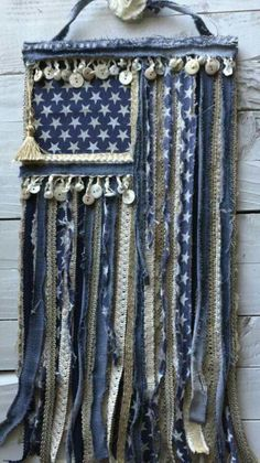 But with red denim and white lace stripes Fourth Of July Decor, 4th Of July Decorations, July 4th, Americana Crafts, Patriotic Crafts, Jean Crafts, Denim Crafts, Textiles, Crafts To Make