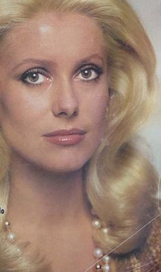 Photo of Catherine Deneuve for fans of Catherine Deneuve 10889225 Catherine Deneuve, Older Actresses, Hollywood Actresses, Brunette Actresses, Black Actresses, Female Actresses, Beautiful Women Over 50, Beautiful Old Woman, Actrices Hollywood