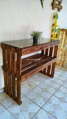 wood pallet entryway table  #pallets #woodpallet #palletfurniture #palletproject #palletideas #recycle #recycledpallet #reclaimed #repurposed #reused #restore #upcycle #diy #palletart #pallet #recycling #upcycling #refurnish #recycled #woodwork #woodworking