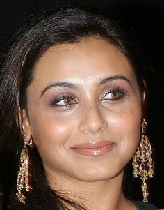 Rani is beauti of bollywood .have a sexy look and smile Bollywood Gossip, Bollywood Actress, Rani Mukerji, Most Beautiful Indian Actress, Best Face Products, India Beauty, Girl Face, Indian Actresses, Beauty Women