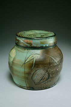 Victoria Christen  |  Lidded jar.