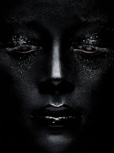 Portrait - Close-up - Black Make-up - Photography Photography Tattoo, White Photography, Pinterest Photography, Abstract Photography, Fashion Photography, Black Art, Black And White, Color Black, Total Black