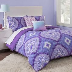 Put your bed in the spotlight. The fun and peppy vibe of this Seventeen comforter set lets your style shine. #Kohls101