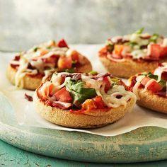 Healthy pizza bagels :)