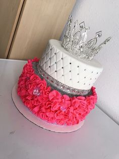 Top Ideas for birthday cake for girls beautiful 19th Birthday Cakes, Birthday Cake Roses, Sweet 16 Birthday Cake, Beautiful Birthday Cakes, 18th Birthday Party, Birthday Cake Girls, Beautiful Cakes, Birthday Ideas, Sweet 16 Cakes