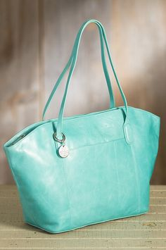 Hobo Patti Leather Tote Bag | Overland Sheepskin